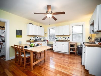 Somerville Great apartment!  2 Beds 1 Bath  Spring Hill - $2,000 No Fee